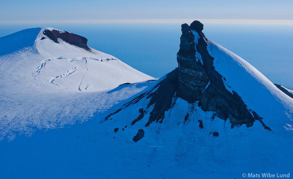 Snæfellsjökull. Toppurinn séð til vesturs. Snæfellsbær /.Snaefellsjokull glacier and volcano summit viewing west. Snaefellsbaer.
