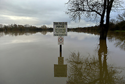 © Licensed to London News Pictures. 26/11/2012. Oxfordshire, UK A fields at the Bablockhythe Caravan and Holiday home park sites in floodwater.  Flooding on the River Thames today 26th November 2012 in Oxfordshire. Photo credit : Stephen Simpson/LNP