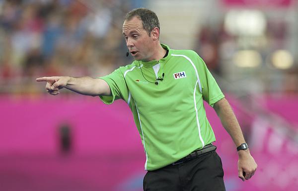 LONDON - Olympische Spelen 2012.men .match: New Zealand v Belgium.foto: Umpire Roel van Eert..FFU PRESS AGENCY COPYRIGHT FRANK UIJLENBROEK.