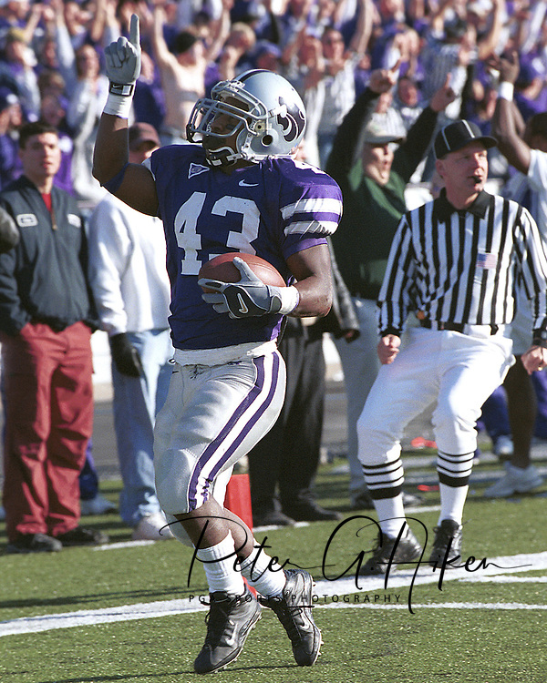 Kansas State runningback Darren Sproles during game action against Nebraska at KSU Stadium in Manhattan, Kansas in 2002.