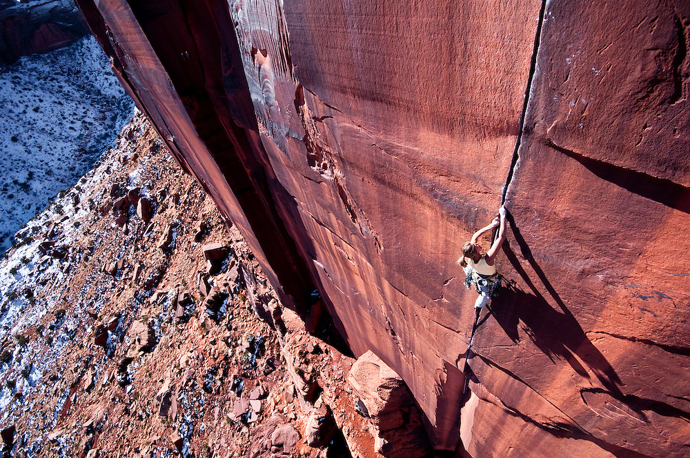 Kate Rutherford on the Optimator (5.13-) Indian Creek, UT