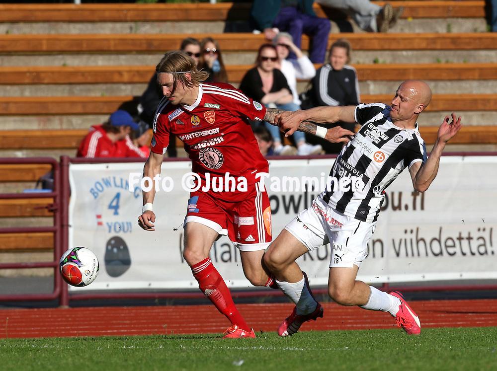 22.6.2015, Stadion, Pori.<br /> Ykk&ouml;nen 2015.<br /> FC Jazz - Turun Palloseura<br /> Teemu Penninkangas (FC Jazz) v MIkko Hyyrynen (TPS).