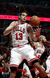 15.05.2011, UNITED CENTER, CHICAGO, USA, NBA, Chicago Bulls vs Miami Heat, im Bild Joakim Noah grabs a rebound in game 1 of the NBA Eastern Conference Championships at the United Center in Chicago, EXPA Pictures © 2011, PhotoCredit: EXPA/ Newspix/ KAMIL KRZACZYNSKI +++++ ATTENTION - FOR AUSTRIA/ AUT, SLOVENIA/ SLO, SERBIA/ SRB an CROATIA/ CRO, SWISS/ SUI and SWEDEN/ SWE CLIENT ONLY +++++