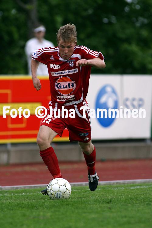 29.05.2007, Salo, Finland..Suomen Cup, 5. kierros / Finnish Cup, 5th round.Salon Vilpas - FC Viikingit.Jussi Peteri - Viikingit.©Juha Tamminen.....ARK:k