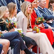 NLD/Groningen/20180427 - Koningsdag Groningen 2018, Maxima en dochters Amalia, Alexia en Ariane