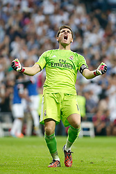 25.10.2014, Estadio Santiago Bernabeu, Madrid, ESP, Primera Division, Real Madrid vs FC Barcelona, 9. Runde, im Bild Real Madrid´s goalkeeper Iker Casillas celebrate a goal // during the Spanish Primera Division 9th round match between Real Madrid CF and FC Barcelona at the Estadio Santiago Bernabeu in Madrid, Spain <br /> <br /> ***** NETHERLANDS ONLY *****