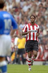 17-09-2006 VOETBAL: PSV - FEYENOORD: EINDHOVEN <br /> PSV verslaat in eigen huis Feyenoord met 2-1 / Patrick Kluivert maakt zijn rentree in de eredivisie<br /> &copy;2006-WWW.FOTOHOOGENDOORN.NL