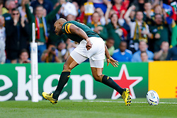 South Africa Winger JP Pietersen breaks clear to score the first try of the game - Mandatory byline: Rogan Thomson/JMP - 07966 386802 - 26/09/2015 - RUGBY UNION - Villa Park - Birmingham, England - South Africa v Samoa - Rugby World Cup 2015 Pool B.