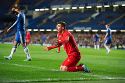 LONDON, ENGLAND - Friday, April 19, 2013: Liverpool's Kristoffer Peterson is denied a penalty after being fouled by Chelsea's Kevin Wright during the FA Youth Cup Semi-Final 2nd Leg match at Stamford Bridge. (Pic by David Rawcliffe/Propaganda)