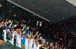 18.05.2016, St. Jakob Park, Basel, SUI, UEFA EL, FC Liverpool vs Sevilla FC, Finale, im Bild Jubel der Sevilla Spieler mit den Pokal, Coke (FC Sevilla) // Sevilla Players lift up the Trophy Coke (FC Sevilla) during the Final Match of the UEFA Europaleague between FC Liverpool and Sevilla FC at the St. Jakob Park in Basel, Switzerland on 2016/05/18. EXPA Pictures © 2016, PhotoCredit: EXPA/ JFK