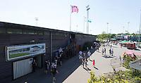 AMSTELVEEN -  Hoofdtribune Wagener Stadion.       Beslissende finalewedstrijd om het Nederlands kampioenschap hockey tussen de mannen van Amsterdam en Oranje Zwart (2-3). COPYRIGHT KOEN SUYK