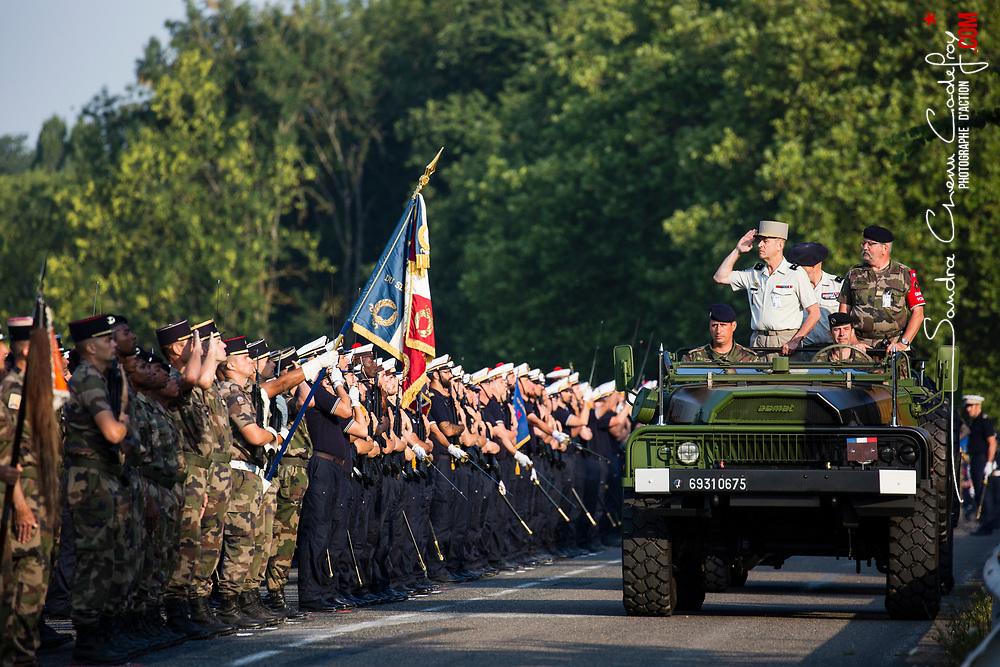 Pr&eacute;paratifs et r&eacute;p&eacute;tition finale au camp de Satory du d&eacute;fil&eacute; &agrave; pied du 14 juillet 2018 &laquo; Fraternit&eacute; d'armes sous l'uniforme, l'engagement d'une vie &raquo;.<br /> Juillet 2018 / Versailles (78) / FRANCE<br /> Voir le reportage complet (125 photos) https://sandrachenugodefroy.photoshelter.com/gallery/2018-07-Repetition-generale-du-defile-a-pied-du-14-juillet-Complet/G0000lJYfswMGfgk/C0000yuz5WpdBLSQ