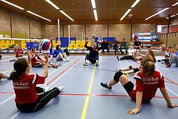 20150425 NED: NK Zitvolleybal 2015, Mill<br />Bondscoach Hans Mater verzorgt een clinic zitvolleybal<br />©2015-FotoHoogendoorn.nl / Pim Waslander