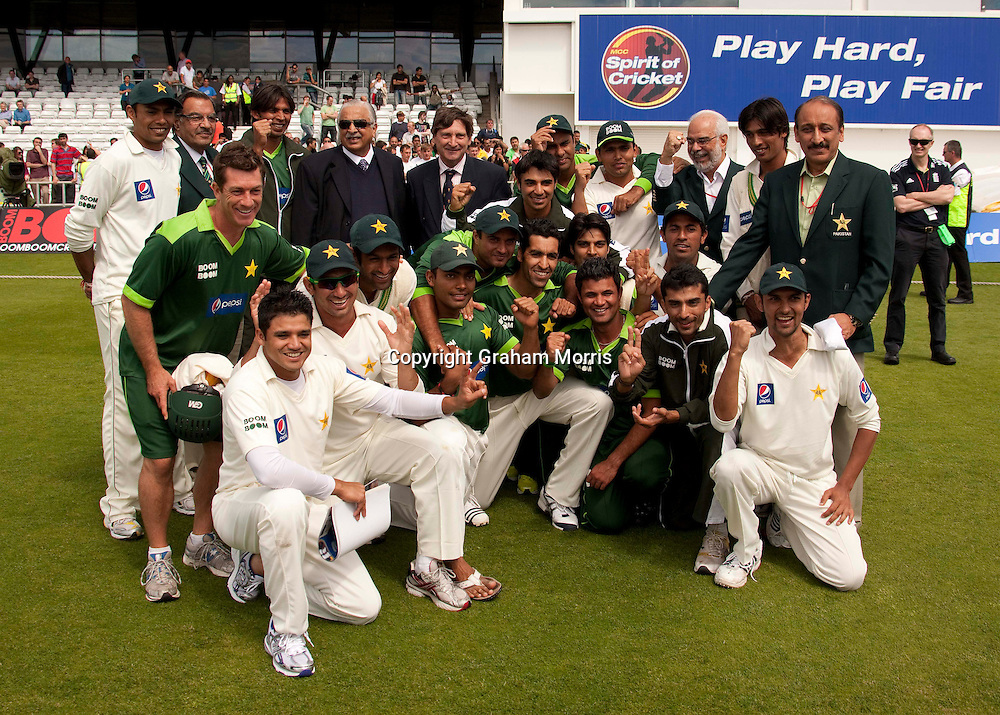 Pakistan celebrate winning the second MCC Spirit of Cricket Test Match against Australia at Headingley, Leeds.  Photo: Graham Morris (Tel: +44(0)20 8969 4192 Email: sales@cricketpix.com) 24/07/10