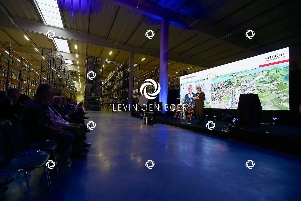 ZALTBOMMEL - De 'Grand Opening EDC Zaltbommel' in het Hitachi Centre. Met op de foto Burgemeester Albert van den Bosch. FOTO LEVIN DEN BOER - PERSFOTO.NU