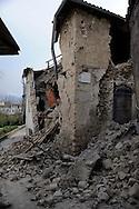 7 Aprile 2009.Terremoto  Abruzzo.Tempera.Case crollate al centro della città .Earthquak  Abruzzo.Rubble of a building that was damaged .