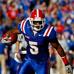 December 4, 2010; Ruston, LA, USA;  Louisiana Tech Bulldogs running back Lennon Creer (5) against the Nevada Wolf Pack during the first half at Joe Aillet Stadium.  Nevada defeated Louisiana Tech 35-17. Mandatory Credit: Derick E. Hingle