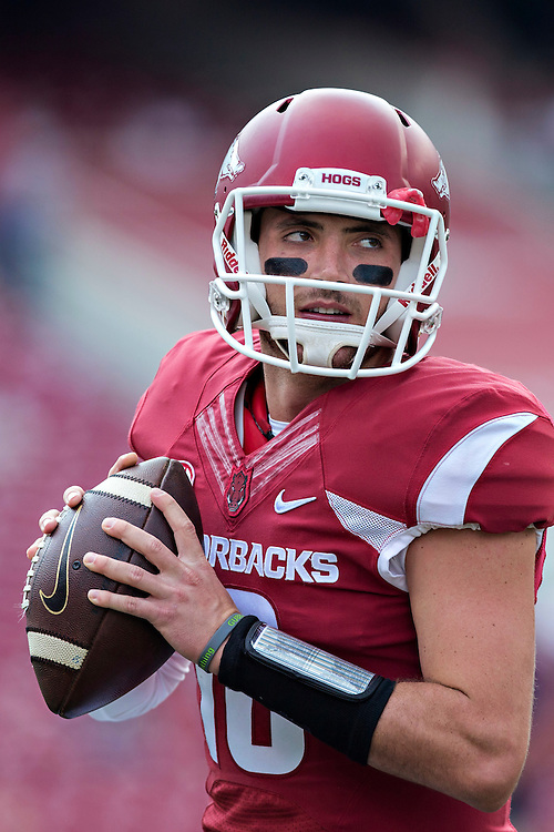FAYETTEVILLE, AR - SEPTEMBER 5:  Brandon Allen #10 of the Arkansas Razorbacks warms up before a game against the UTEP Miners at Razorback Stadium on September 5, 2015 in Fayetteville, Arkansas.  The Razorbacks defeated the Miners 48-13.  (Photo by Wesley Hitt/Getty Images) *** Local Caption *** Brandon Allen