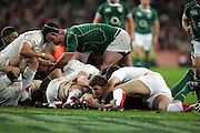 Brian O'Driscoll scores a try for Ireland during the RBS Six Nations match between Ireland v England, Croke Park, Dublin, Saturday 28th February 2009.