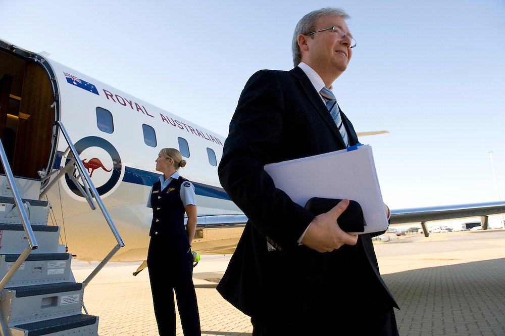 Prime Minister Kevin Rudd arrives back in Perth after a short trip to Esperance to visit to Teen Challenge Grace Academy.