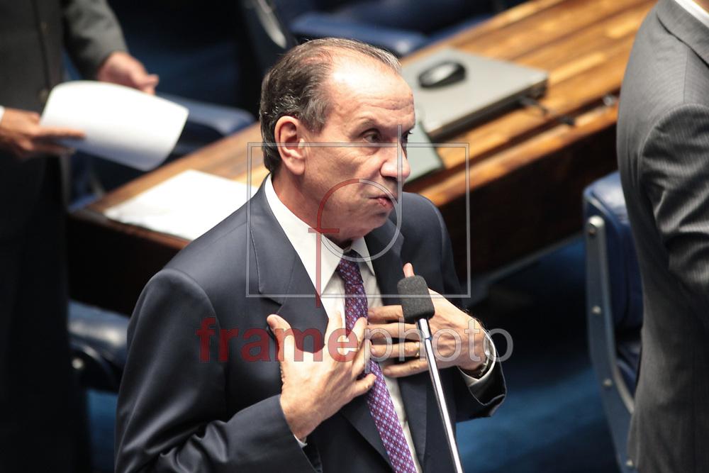 Brasilia, 01/04/2014. Senador Aloisio Nune Ferreira, , durante a leitura da instalacao da CPI da Petrobras, no plenario do senado.Foto: Joel Rodrigues/FRAME