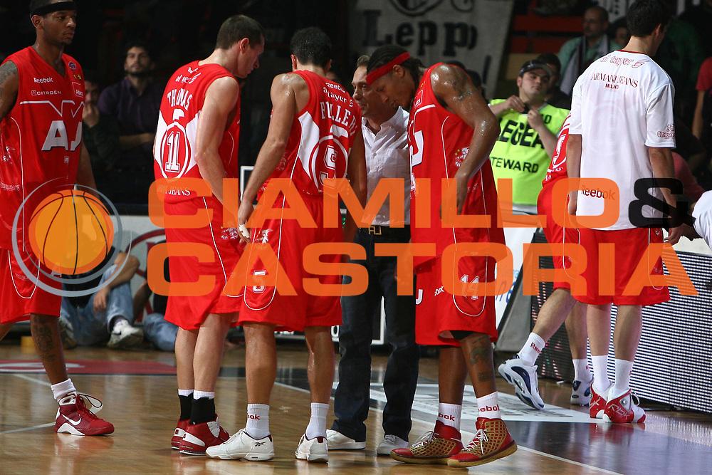 DESCRIZIONE : Caserta Lega A1 2008-09 Eldo Caserta Armani Jeans Milano<br /> GIOCATORE : Piero Bucchi Massimo Bulleri David Hawkins Jobey Thomas<br /> SQUADRA : Armani Jeans Milano<br /> EVENTO : Campionato Lega A1 2008-2009 <br /> GARA : Eldo Caserta Armani Jeans Milano<br /> DATA : 26/10/2008<br /> CATEGORIA : time out ritratto<br /> SPORT : Pallacanestro <br /> AUTORE : Agenzia Ciamillo-Castoria/E.Castoria