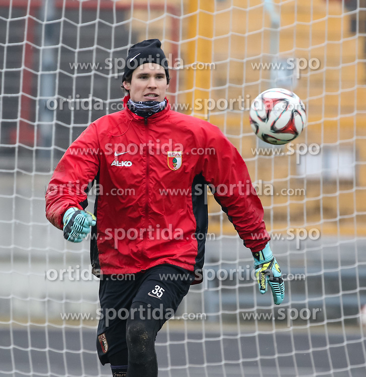 17.02.2015, Trainingsgel&auml;nde, Augsburg, GER, 1. FBL, FC Augsburg, Training, im Bild Marwin Hitz (Torwart FC Augsburg #35) fixiert den Ball, // during a trainingssession of the german 1st bundesliga club FC Augsburg at the Trainingsgel&auml;nde in Augsburg, Germany on 2015/02/17. EXPA Pictures &copy; 2015, PhotoCredit: EXPA/ Eibner-Pressefoto/ Krieger<br /> <br /> *****ATTENTION - OUT of GER*****