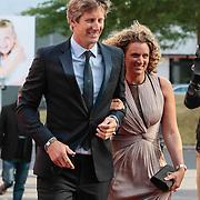 NLD/Hilversum/20130902 - Gala Voetballer van het Jaar 2013, Edwin van der Sar en partner Annemarie van Kesteren