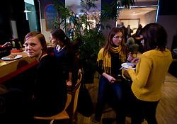 """Zakuska po okrogli mizi na temo """"Slovenska kosarka - le kos do svetovnega vrha?"""" v organizaciji SportForum Slovenija, 19. oktober 2009, Austria Trend Hotel, Ljubljana, Slovenija. (Photo by Vid Ponikvar / Sportida)"""