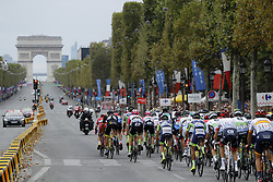 July 29, 2018 - Paris Champs-Elysees, France - PARIS CHAMPS-ELYSEES, FRANCE - JULY 29 : illustration picture of the peloton & the Arc de Triomphe during stage 21 of the 105th edition of the 2018 Tour de France cycling race, a stage of 116 kms between Houilles and Paris Champs-Elysees on July 29, 2018 in Paris Champs-Elysees, France, 29/07/18 (Credit Image: © Panoramic via ZUMA Press)