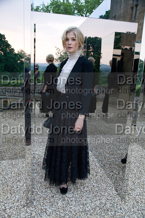 ROSAMUND PIKE NEXT TO JEPPE HEIN'S 'SIMPLIFIED MIRROR LABRINTH 1, 2008. , The Artists' Playground. Reconstruction 3: Contemporary Art at Sudeley Castle, 2008 In partnership with Phillips de Pury & Company and supported by Chanel. 31 May 2008. *** Local Caption *** -DO NOT ARCHIVE-© Copyright Photograph by Dafydd Jones. 248 Clapham Rd. London SW9 0PZ. Tel 0207 820 0771. www.dafjones.com.