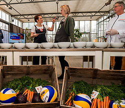 28-03-2018 NED: Kickstart Food van Rabobank, Utrecht<br /> A clever mix of the tastiest seasonal vegetables for the sports public, coming from Dutch local companies. That is the core of the new food program that enables Rabobank and the Nevobo at the Moestuin in Utrecht / (L-R) presenter Sofie van den Enk, Debby Pilon-Stam and Erik te Velthuis, chef of the top sports restaurant at top sports center Papendal