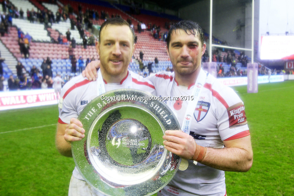 Rugby League - Autumn International -  England v New Zealand - DW Stadium Wigan, England  - 14/11/15 <br /> England's   James  Roby And Matty Smith with The Baskerville Shield<br /> Copyright photo: Chris Mangnall / www.photosport.nz