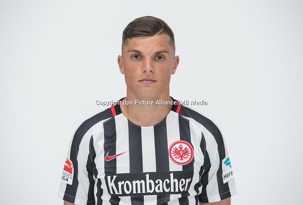 German Bundesliga - Season 2016/17 - Photocall Eintracht Frankfurt on 21 June 2016 in Frankfurt, Germany: Enis Bunjaki. Photo: Handout/Eintracht Frankfurt/Hübner/dpa | usage worldwide