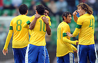 GOAL CELEBRATION PAULINHO OSCAR
