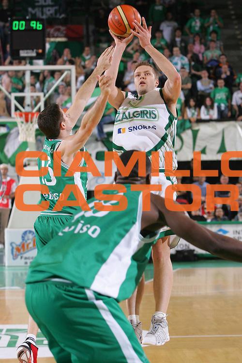 DESCRIZIONE : Treviso Eurolega 2006-07 Benetton Treviso Zalgiris Kaunas <br /> GIOCATORE : Mottola <br /> SQUADRA : Zalgiris Kaunas <br /> EVENTO : Eurolega 2006-2007 <br /> GARA : Benetton Treviso Zalgiris Kaunas <br /> DATA : 26/10/2006 <br /> CATEGORIA : Tiro <br /> SPORT : Pallacanestro <br /> AUTORE : Agenzia Ciamillo-Castoria/S.Silvestri <br /> Galleria : Eurolega 2006-2007 <br /> Fotonotizia : Treviso Eurolega 2006-07 Benetton Treviso Zalgiris Kaunas <br /> Predefinita :