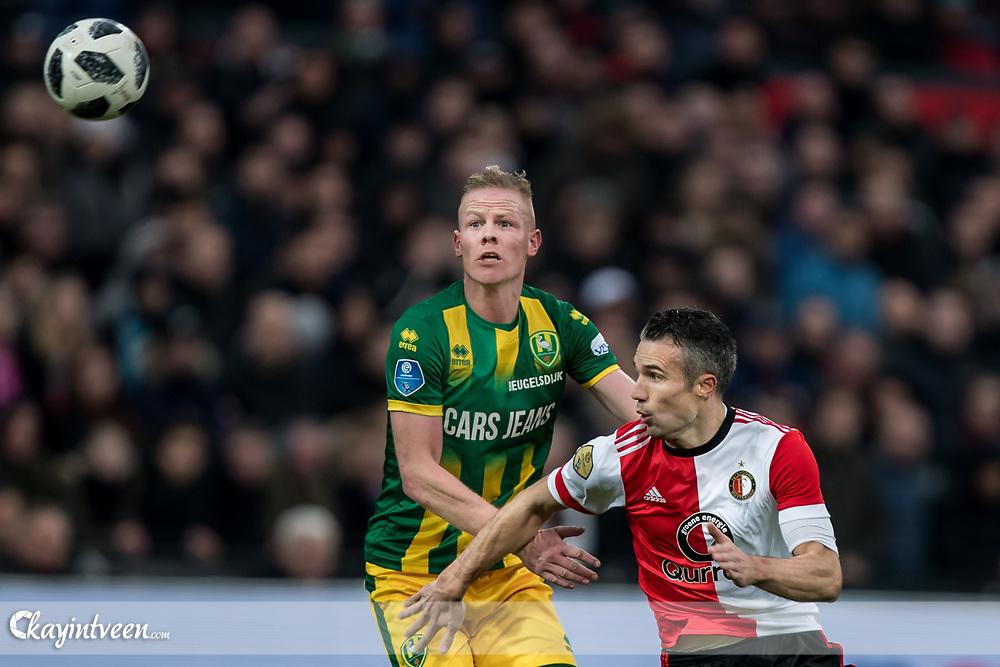 ROTTERDAM - Feyenoord - ADO Den Haag , Voetbal , Seizoen 2017/2018 , Eredivisie , Stadion Feijenoord de Kuip , 28-01-2018 , ADO Den Haag speler Tom Beugelsdijk (l) in duel met Feyenoord speler Robin van Persie (r)