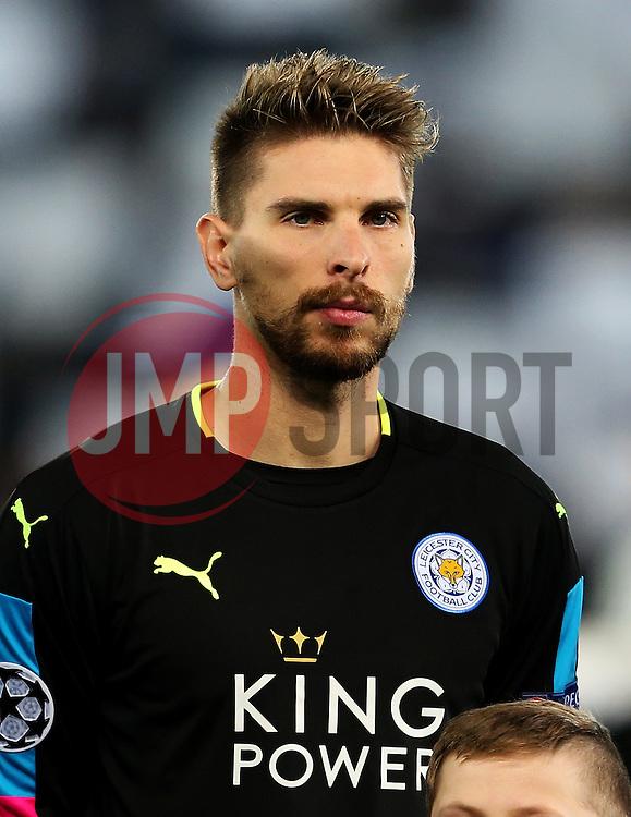 Ron Robert Zieler of Leicester City - Mandatory by-line: Matt McNulty/JMP - 22/11/2016 - FOOTBALL - King Power Stadium - Leicester, England - Leicester City v Club Brugge - UEFA Champions League