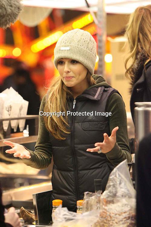 cheryl tweedy at a fair ground in central london.15.12.06<br /> pix