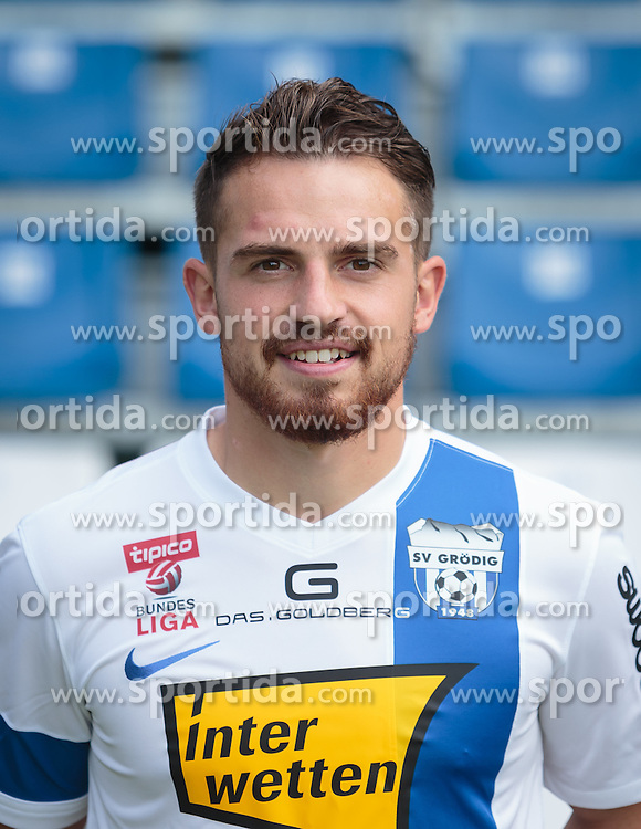 15.09.2015, Das Goldberg Stadion, Groedig, AUT, 1. FBL, Fototermin SV Groedig, im Bild // during the official Team and Portrait Photoshoot of Austrian Football Bundesliga Team SV Groedig at the Das Goldberg Stadion, Groedig, Austria on 2015/09/15. EXPA Pictures © 2015, PhotoCredit: EXPA/ JFK