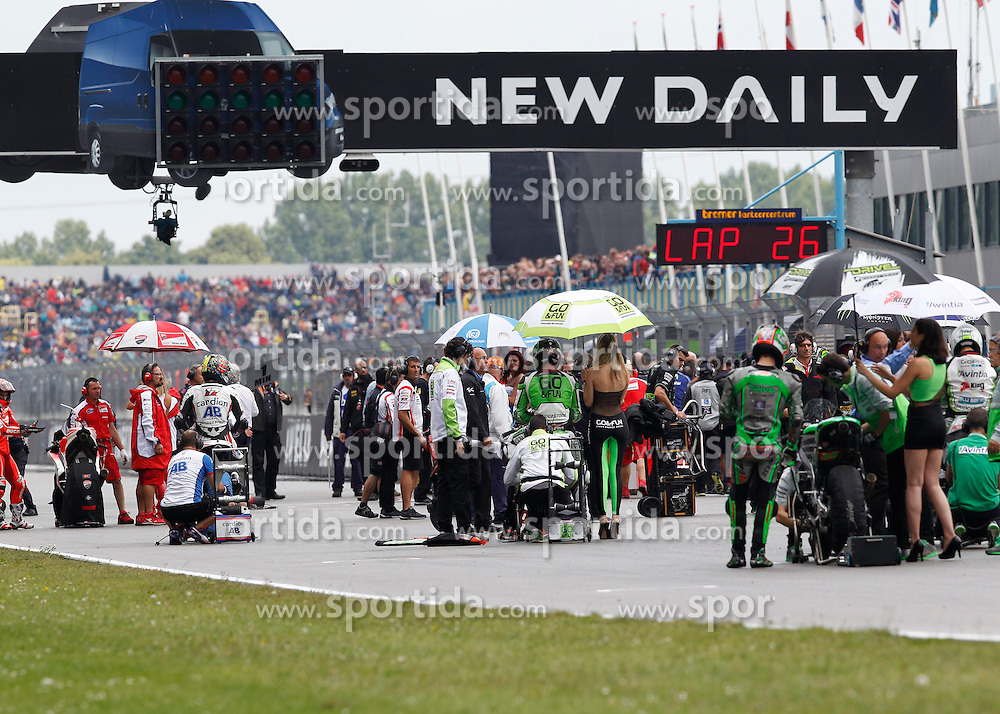 28.06.2014, TT Circuit, Assen, NED, MotoGP, Assen, im Bild Der Start der Moto GP Rennen // during the MotoGP Iveco TT Assen at the TT Circuit in Assen, Netherlands on 2014/06/28. EXPA Pictures &copy; 2014, PhotoCredit: EXPA/ Eibner-Pressefoto/ FOTO-SPO_AG<br /> <br /> *****ATTENTION - OUT of GER*****