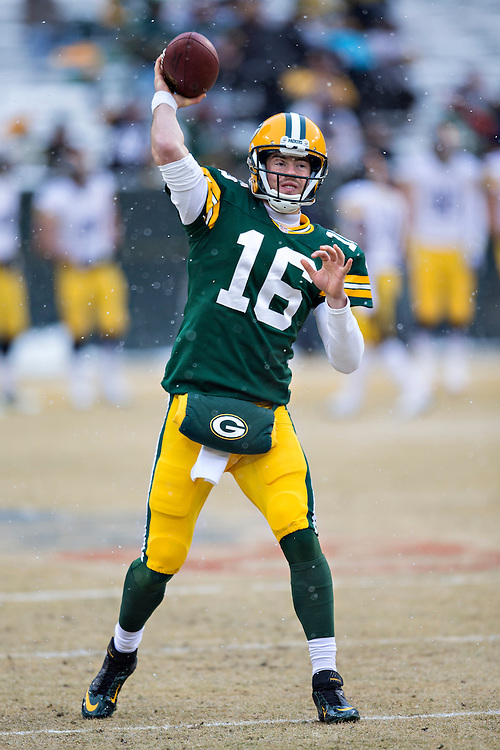 GREEN BAY, WI - DECEMBER 22:  Scott Tolzien #16 of the Green Bay Packers warming up before a game against the Pittsburgh Steelers at Lambeau Field on December 22, 2013 in Green Bay, Wisconsin.  The Steelers defeated the Packers 38-31.  (Photo by Wesley Hitt/Getty Images) *** Local Caption *** Scott Tolzien