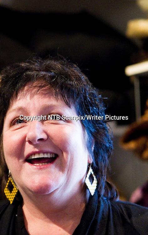 Oslo  20101104. Anne B. Ragde har skrevet boka kalt Livets topp 5 ,  til inntekt for Redd Barna. Her under lanseringen torsdag. <br /> Foto: Berit Roald / Scanpix .<br /> <br /> NTB Scanpix/Writer Pictures<br /> <br /> WORLD RIGHTS, DIRECT SALES ONLY, NO AGENCY
