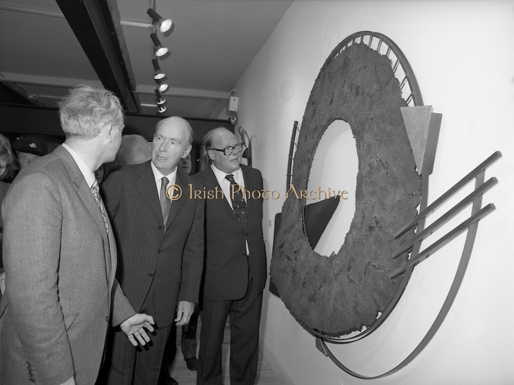 24/08/1984<br /> 08/24/1984<br /> 24 August 1984<br /> Opening of ROSC '84 at the Guinness Store House, Dublin. Pictured at the opening of the exhibition were (l-r): Mr Pat Murphy, ROSC Chairman; President Patrick Hillery and Lord Iveagh.