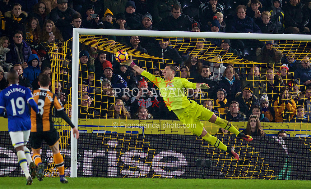 KINGSTON-UPON-HULL, ENGLAND - Friday, December 30, 2016: Everton's goalkeeper Joel Robles is beaten as Hull City's Robert Snodgrass scores the second goal from a free-kick during the FA Premier League match at the KCOM Stadium. (Pic by David Rawcliffe/Propaganda)