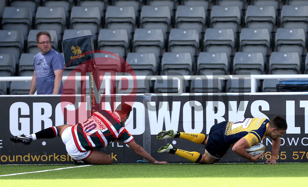 Josh Adams of Worcester Warriors scores a try - Mandatory by-line: Robbie Stephenson/JMP - 30/07/2016 - RUGBY - Kingston Park - Newcastle, England - Worcester Warriors v Leicester Tigers - Singha Premiership 7s
