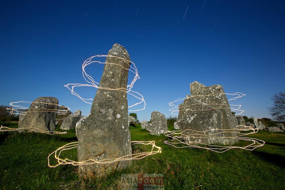 Les Korrigans font la ronde autour des menhirs...