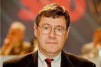 31 JAN 1998, GERMANY/DORTMUND:<br /> J&uuml;rgen B&uuml;ssow, SPD, Mitglied im SPD Landesvorstand Nordrhein-Westfalen, auf dem Landesparteitag der SPD NRW<br /> IMAGE: 19980131-01/02-31<br />   <br />  <br />  <br /> KEYWORDS: Juergen Buessow