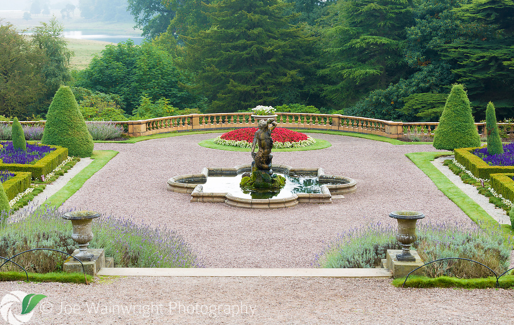 Tatton park italian garden in early autumn joe for Garden design knutsford