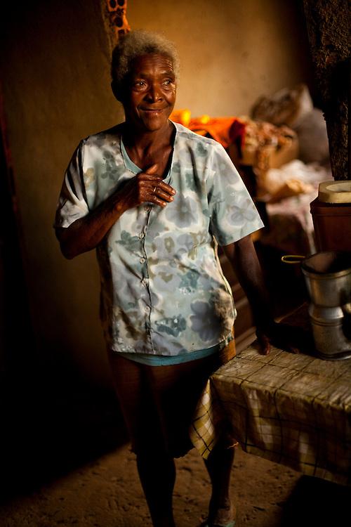 Inhauma_MG, Brasil...Retrato de uma senhora moradora da cidade de Inhauma...Portrait of a elderly woman, She lives in Inhauma...Foto: LEO DRUMOND / NITRO